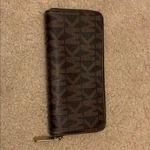 Michale Kors brown zip wallet